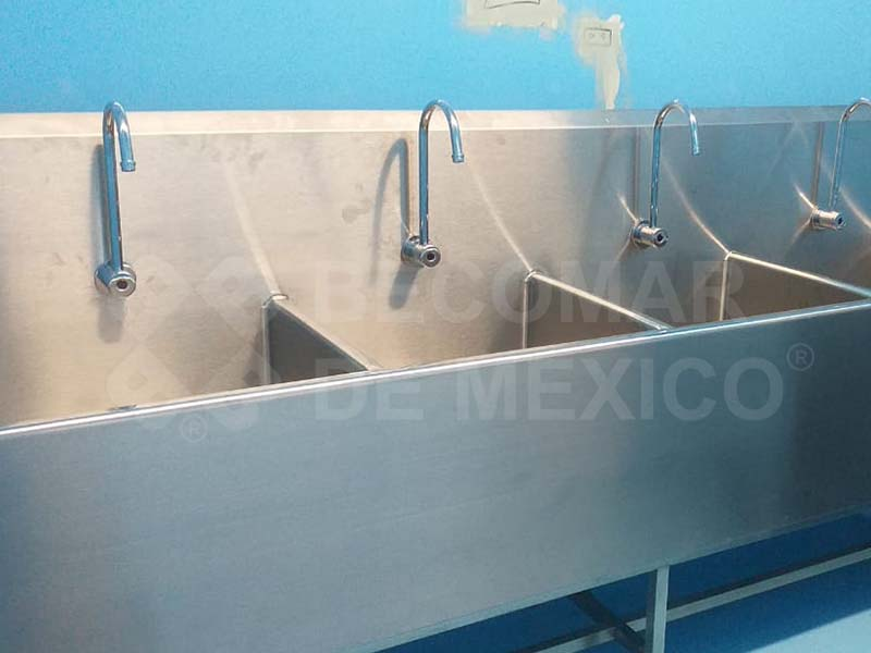 Mesas de lavado para cirujanos